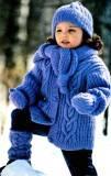 Вязаная куртка для девочки, шапочка и шарфик, варежки и гетры