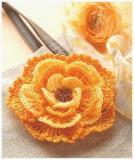 Цветы - вязаное украшение