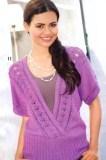 Лиловый пуловер с V-образным вырезом спицами