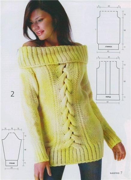 Длинный желтый пуловер с узором из кос. Вязание спицами.