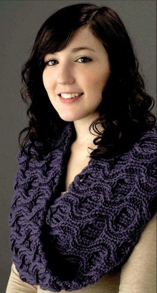 Фиолетовый снуд. Вязание спицами.