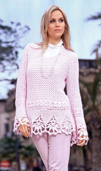 Пуловер с кружевной каймой. Вязание крючком.