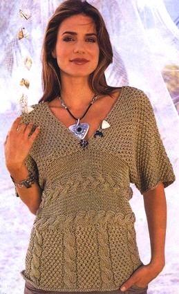 Пуловер с V-образным вырезом и косами